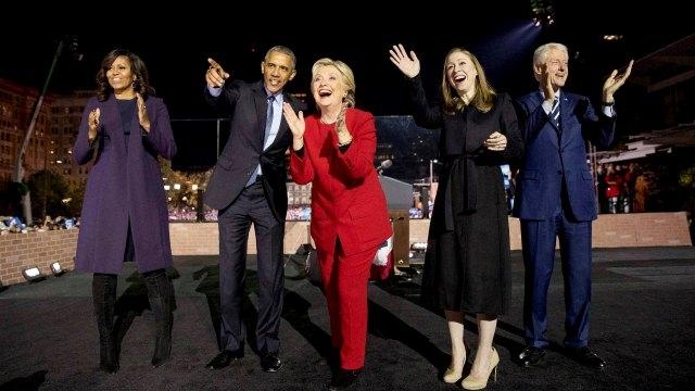 517586-michelle-obama-barack-obama-chelsea-clinton-bill-clinton-hillary-clinton-pti